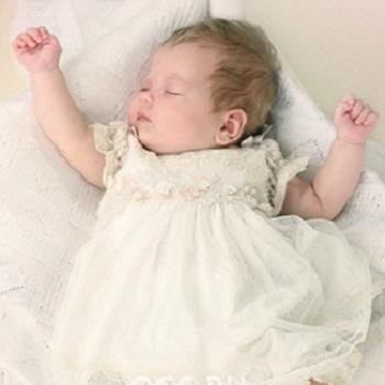 Нарядное платье для младенцев
