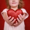 Как выбрать и купить подарок ребенку